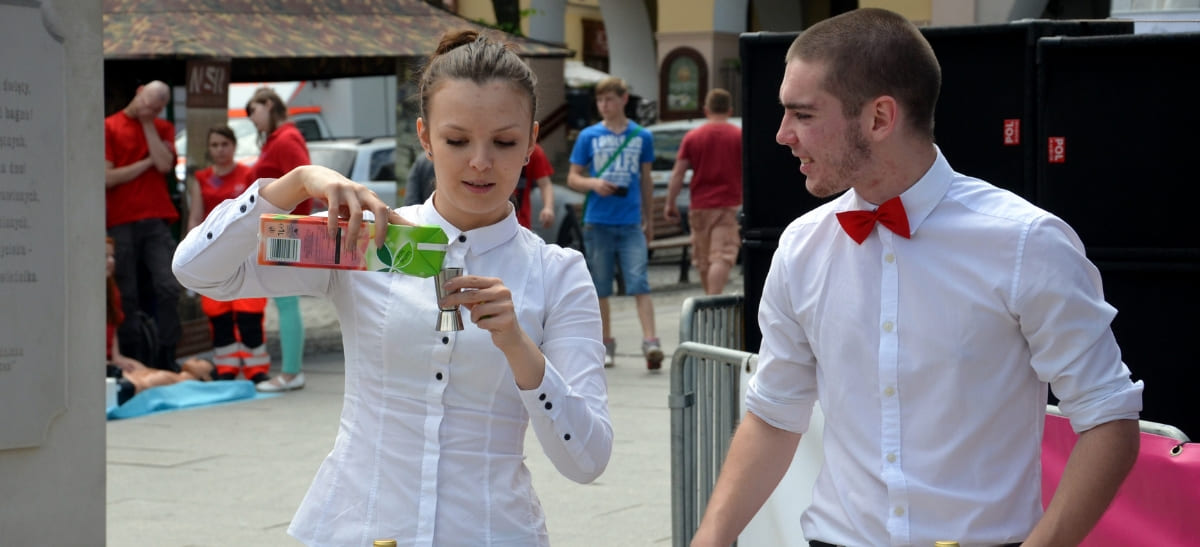 Photo for: Train and Coach Your Bar Staff To Become Superstars